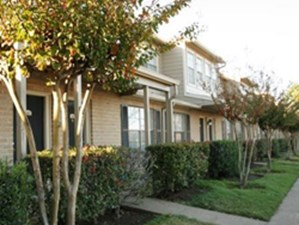 Exterior at Listing #139213