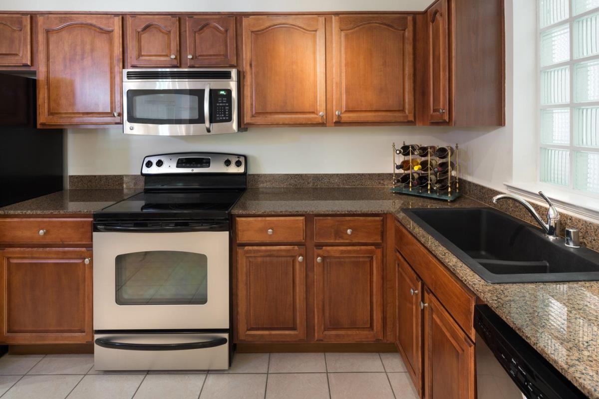 Kitchen at Listing #137702