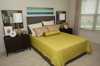 Bedroom at Listing #227360