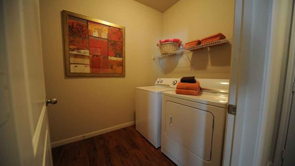 Laundry at Listing #145665