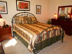 Bedroom at Listing #252365