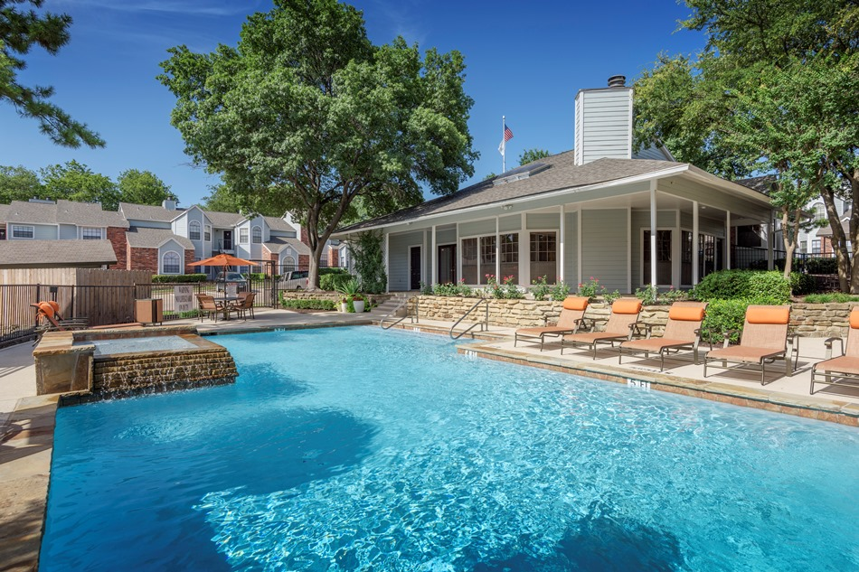 Pool at Listing #136173