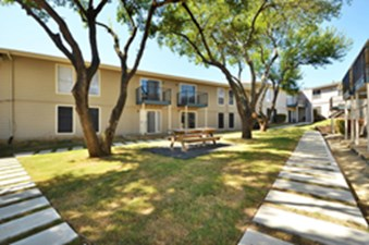 Courtyard at Listing #144226