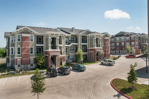 Ten Oaks Apartments