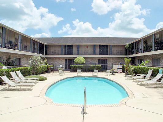 Pool at Listing #139153
