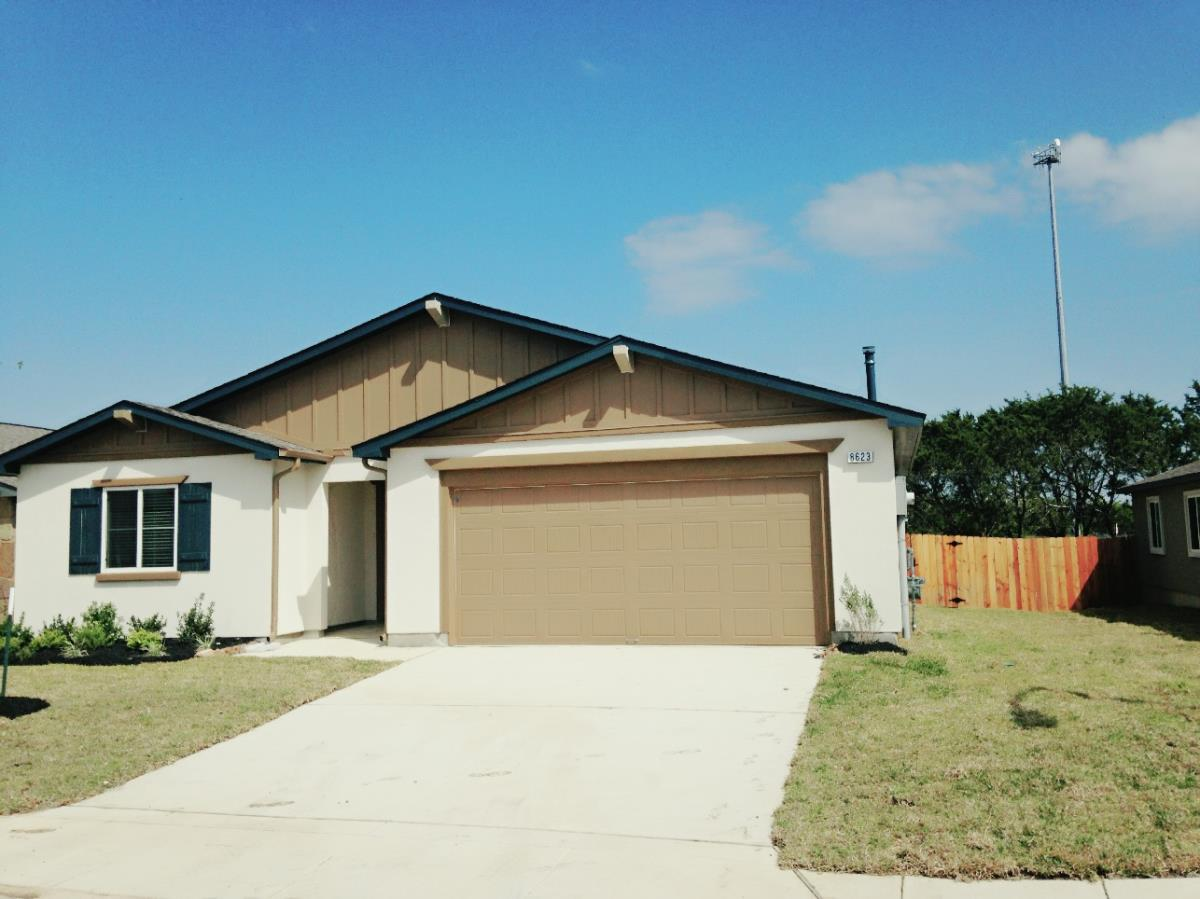 Exterior at Listing #281700