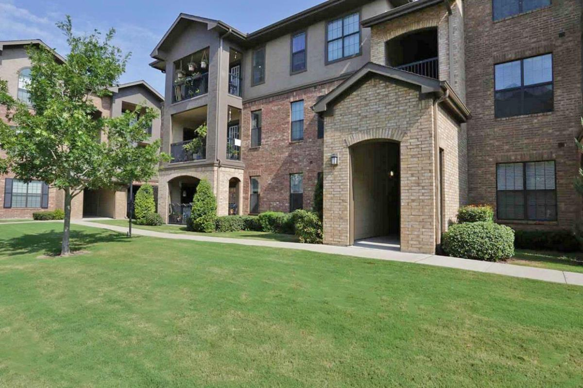 Exterior at Listing #147790