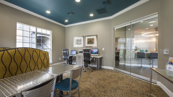 Business Center at Listing #140011