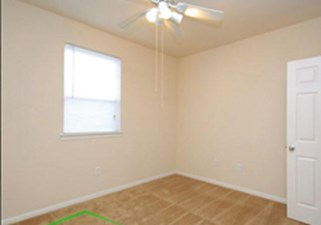 Bedroom at Listing #227116