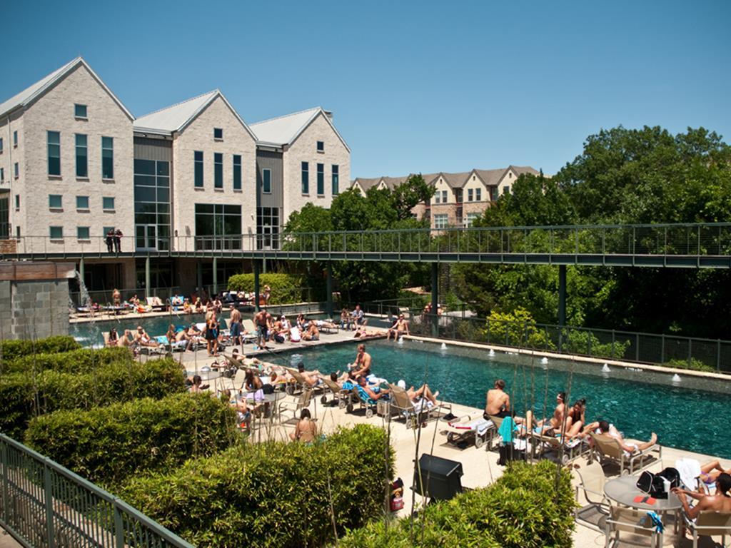 Pool at Listing #137943