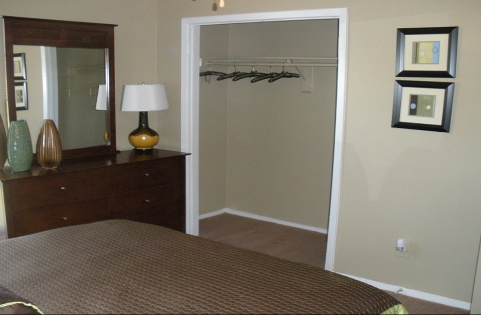 Bedroom at Listing #136248