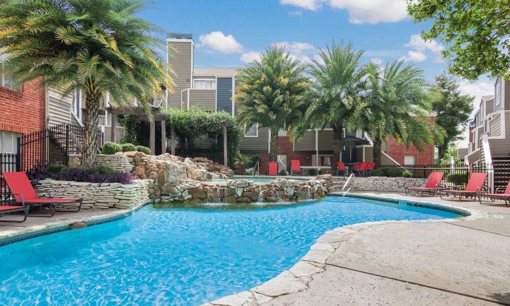 Pool at Listing #138522