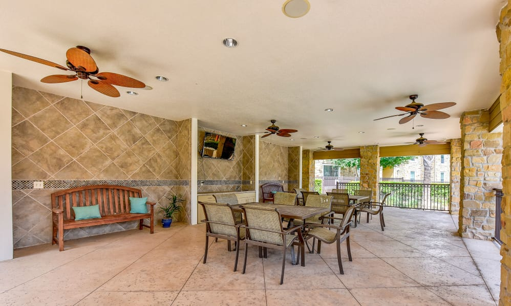 Lounge at Listing #144783