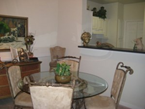 Dining at Listing #137750