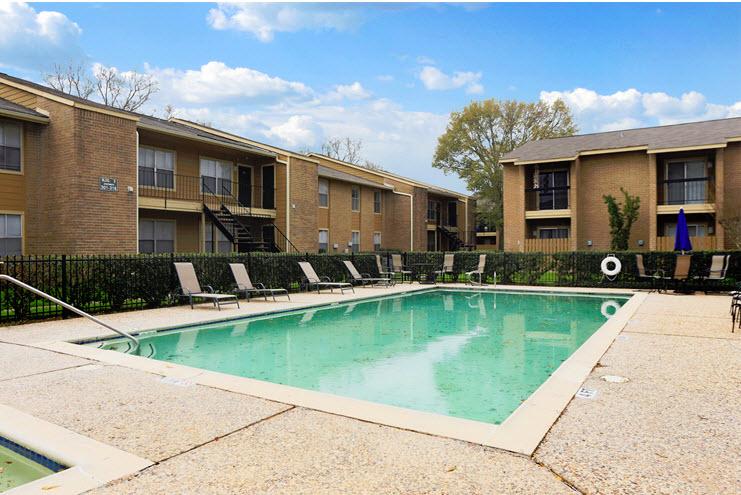 Pool at Listing #139148