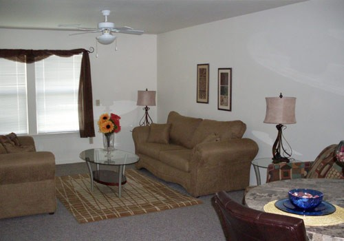 Living Area at Listing #147873