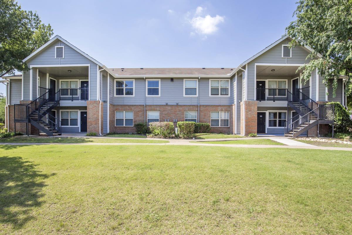 Exterior at Listing #137665