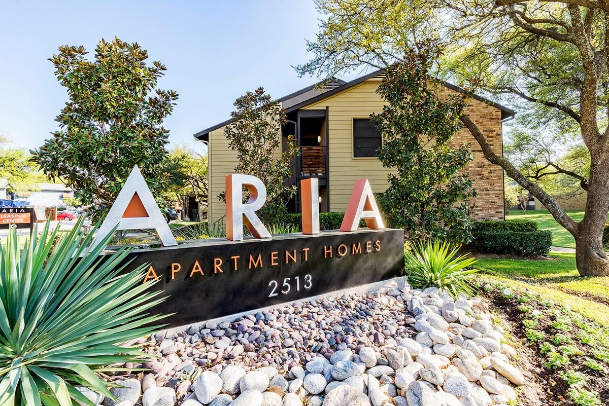 Aria Apartments Arlington TX