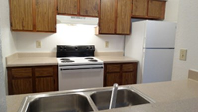 Kitchen at Listing #137232