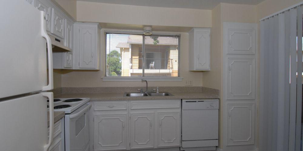 Kitchen at Listing #136072