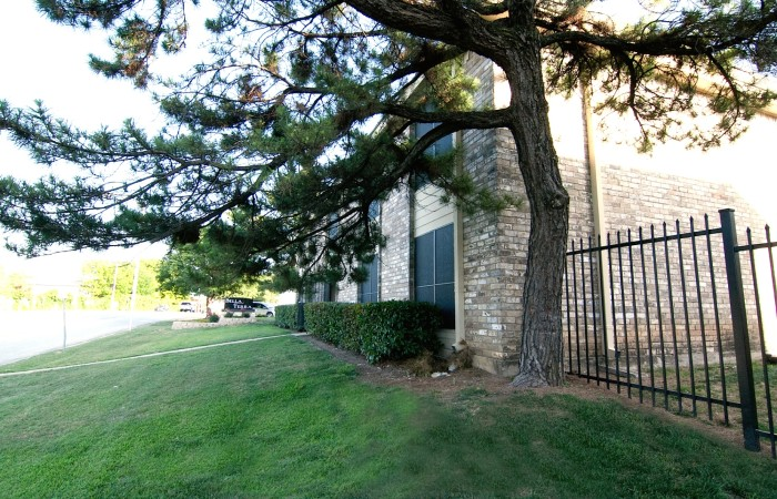 Exterior at Listing #137090