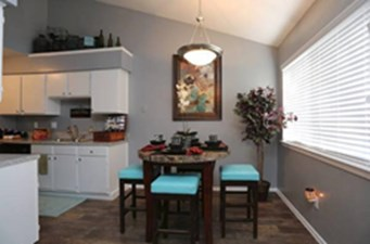 Dining/Kitchen at Listing #136802