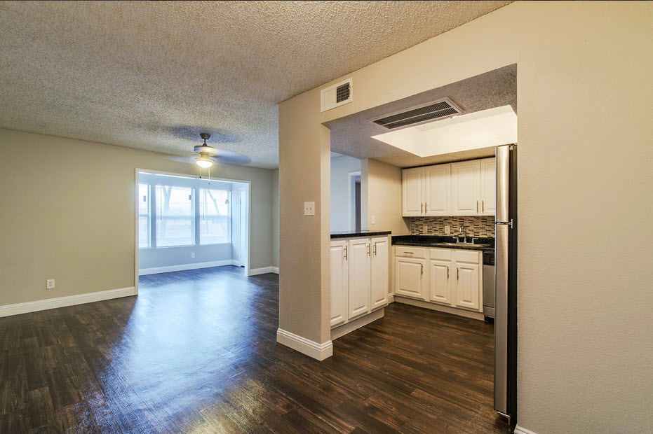 Living/Kitchen at Listing #135921