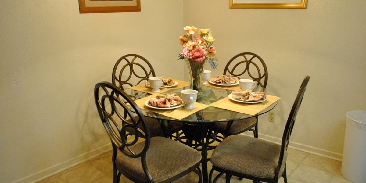 Dining at Listing #141182