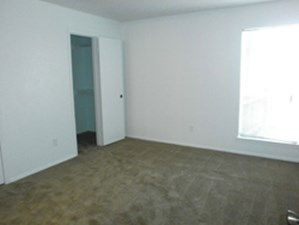 Bedroom at Listing #135659