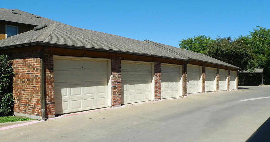 Exterior at Listing #137969