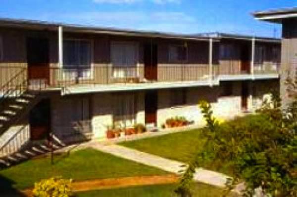 Canlen West Apartments