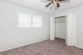 Bedroom at Listing #140974