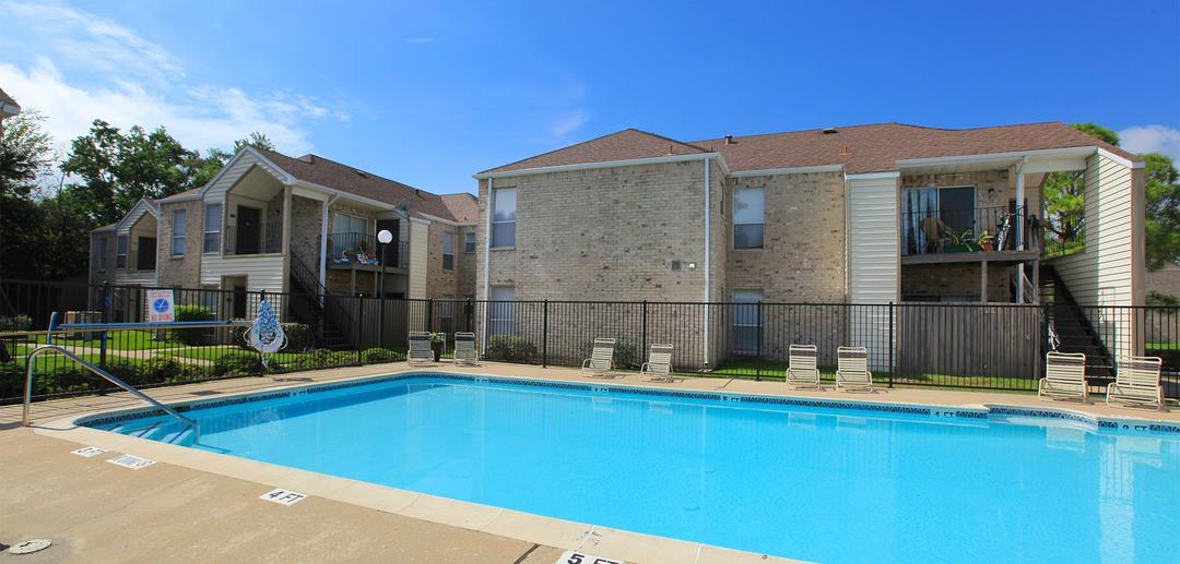 Pool at Listing #138401