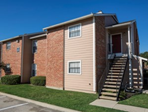 Exterior at Listing #135641