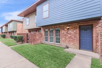 Exterior at Listing #138738