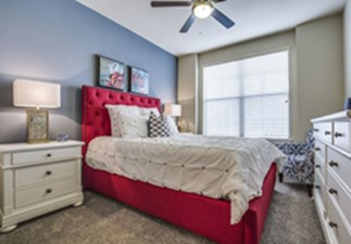 Bedroom at Listing #281920