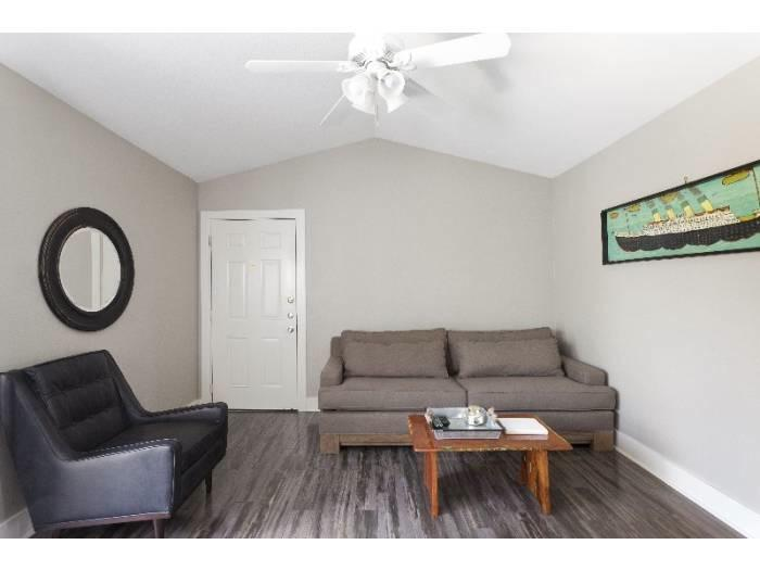 Living at Listing #238717