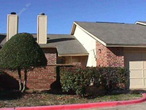 Exterior at Listing #137456