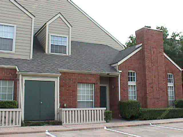 Exterior 5 at Listing #135773