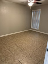 Bedroom at Listing #139627