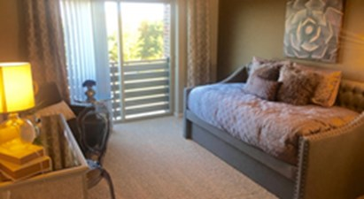 Bedroom at Listing #287738