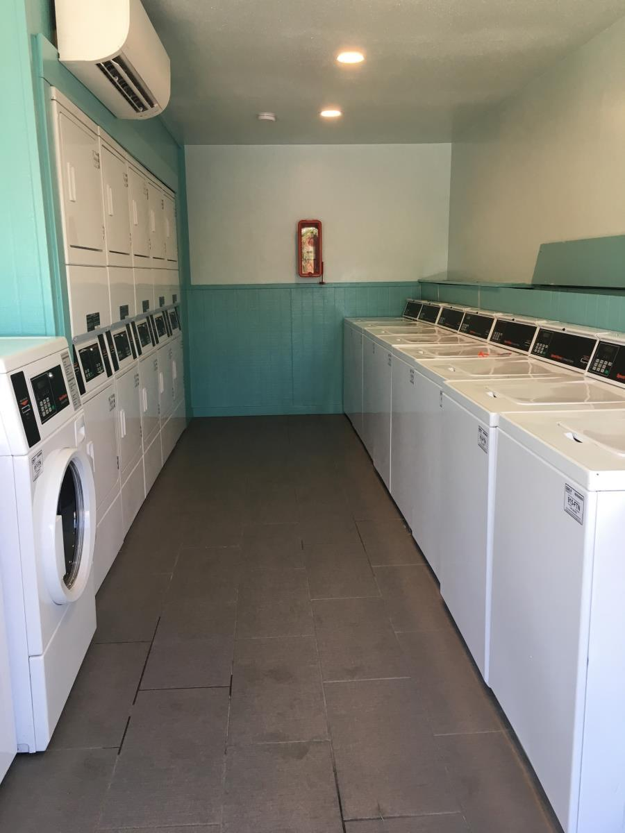 Laundry at Listing #140208