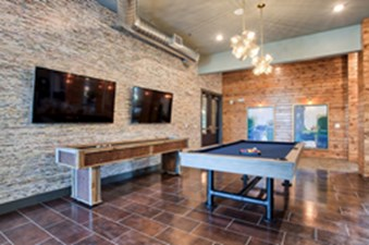 Gameroom at Listing #302926