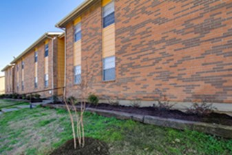Exterior at Listing #137129