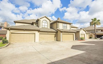 Exterior at Listing #138941