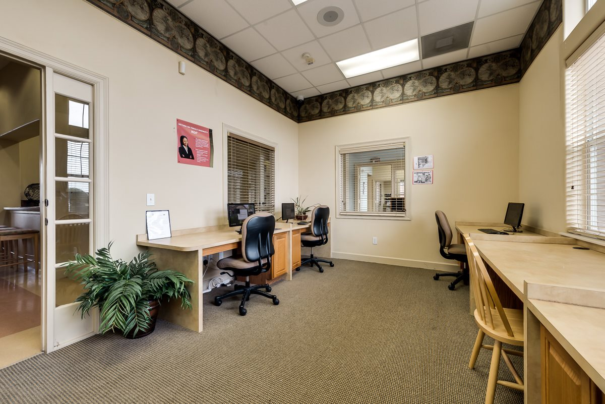 Business Center at Listing #146358