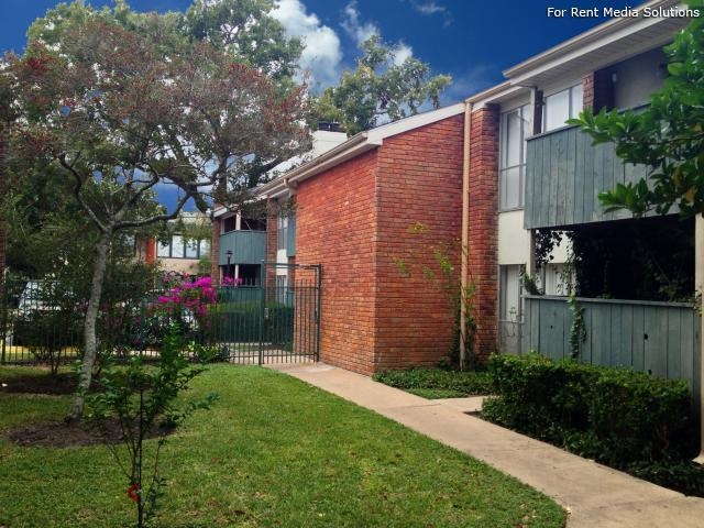 Crossview Court Apartments Houston TX