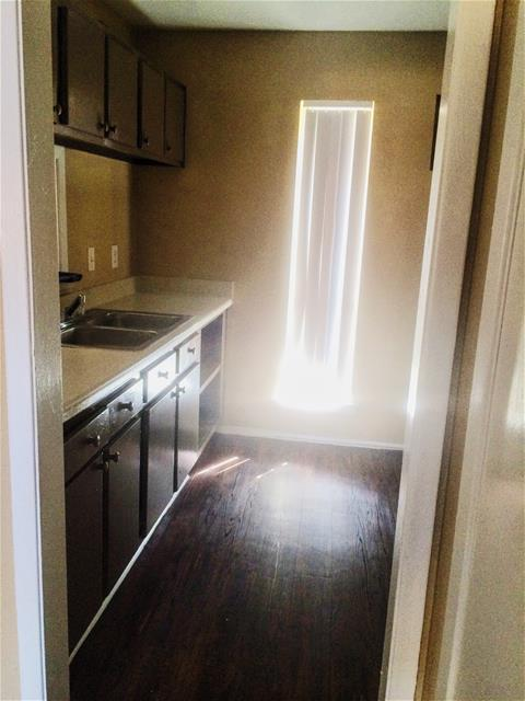 Kitchen at Listing #137200