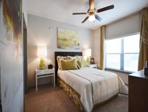 Bedroom at Listing #236598
