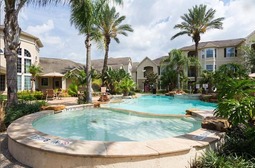 Pool at Listing #144195